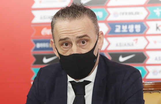 Korean national football team head coach Paulo Bento speaks at a press conference after announcing his 24-man roster on Monday. [NEWS1]