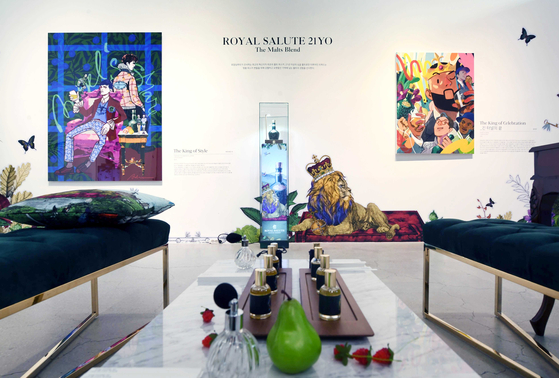 Contemporary artwork inspired by Royal Salute whisky is displayed at an exhibition in Gangnam, southern Seoul, on Friday. [PERNOD RICARD KOREA]