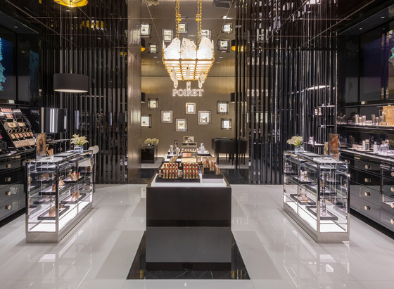 Poiret, the first luxury cosmetics brand by Shinsegae International, opened at Shinsegae Department Store's main branch in central Seoul on Thursday. [SHINSEGAE INTERNATIONAL]