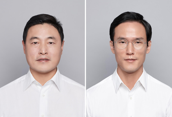 Cho Hyun-sik, left, vice chairman and CEO of Hankook & Company and his younger brother Cho Hyun-bum, CEO of Hankook Tire & Technology. [YONHAP]