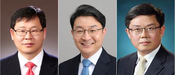 From left, Ahn Il-whan, newly appointed senior presidential secretary for economic affairs; Lee Eog-weon, first vice minister of finance; and An Do-geol, second vice minister of finance. [YONHAP]