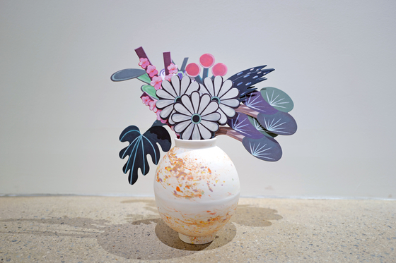 Nanan's cut-outs of flower paintings in the ″Long Long Time Flower″ series, now on view at Seoul Auction Gangnam Center in southern Seoul. [SAIIDA]