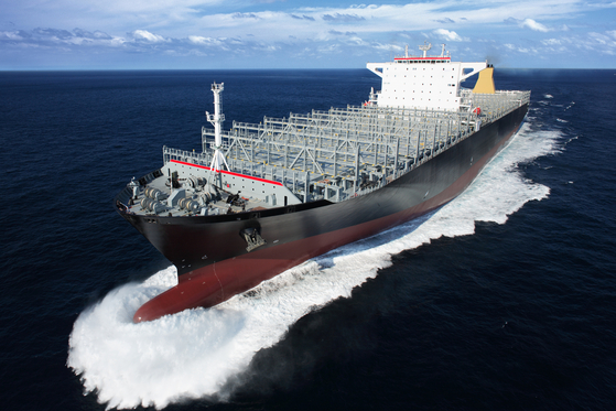 Samsung Heavy Industries' container ship of 13,000 twenty-foot equivalent units (TEU). [SAMSUNG HEAVY INDUSTRIES]