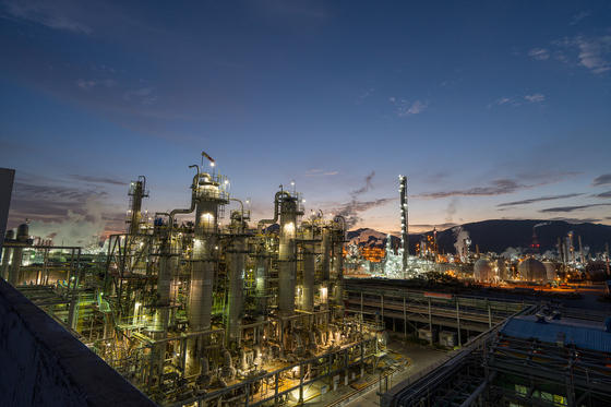 Gaining momentum from last year's success, Kumho Petrochemical aims to take another leap forward. [Kumho Petrochemical]