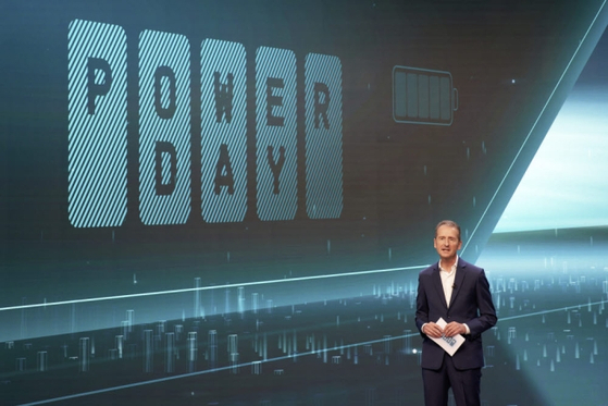 "Volkswagen Group CEO Herbert Diess gives a presentation during a ""Power Day"" event where the German auto giant announced it would make its own batteries. [JOONGANG ILBO]"