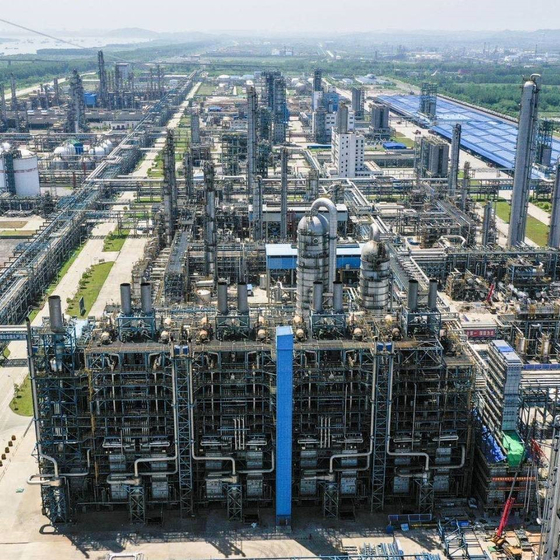 Ethylene facilities built in Wuhan, China, owned by Sinopec-SK Wuhan Petrochemical. [SK INNOVATION]