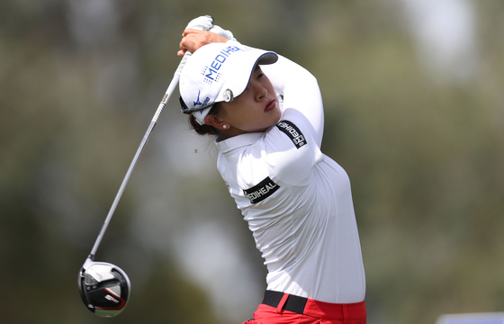 Kim Sei-Young of Korea tees off from the ninth hole during the final round of the ANA Inspiration at Mission Hills Country Club in Rancho Mirage, California on Sunday. [AFP/YONHAP]
