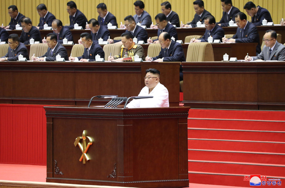 North Korean leader Kim Jong-un speaks at the 6th Conference of Cell Secretaries of the Workers' Party of Korea in Pyongyang on Tuesday, in a photo released by the North's official Korean Central News Agency Wednesday. [YONHAP]
