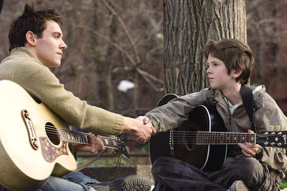 """A scene from """"August Rush"""" (2007)  [JOONGANG PHOTO]"""