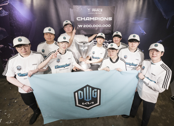 DWG KIA celebrate their 2021 League of Legends Champions Korea Spring Split victory at team headquarters. [RIOT GAMES]