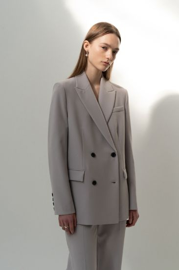 Fashion brand 10MONTH's best-selling item MasterFit suit, which Seo helped create. [10MONTH]