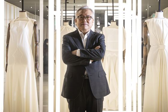 """""""Draping is just as important as the design when it comes to making good clothes,"""" said Seo. [JANG JIN-YOUNG]"""