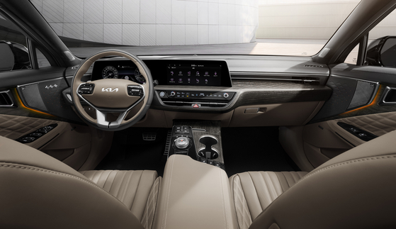 The interior of the Kia K8 [KIA]