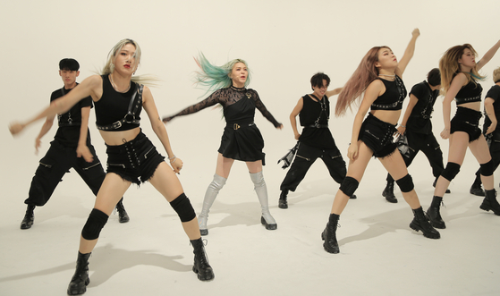 AleXa performs her dance track ″Revolution″ during an online showcase held on the day of the release of EP ″Decoherence″ on Oct. 21, 2020. [ZB LABEL]