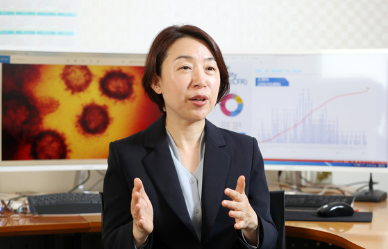 In this file photo, Ki Mo-ran, professor of preventive medicine at the National Cancer Center, is interviewed by the JoongAng Sunday in her office on May 11, 2020.  [SHIN IN-SEOP]