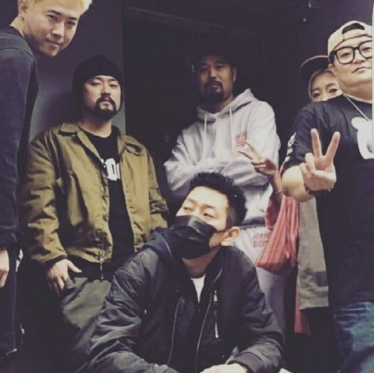 A photo DJ DOC member Kim Chang-yeol posted on Saturday on his social media in remembrance of the deceased Lee Hyun-bae, younger brother of DJ DOC rapper Lee Ha-neul. [SCREEN CAPTURE]