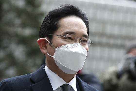 In this file photo, Samsung Electronics Vice Chairman Lee Jae-yong arrives at the Seoul High Court on Jan. 18. [AP]