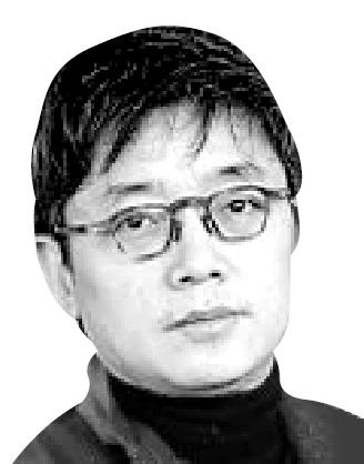 Director E j-yong