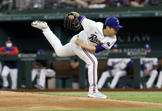 Texas Rangers pitcher Yang Hyeon-Jong throws during the third inning against the Los Angeles Angels at Globe Life Field in Arlington, Texas on Monday. [USA TODAY/YONHAP]