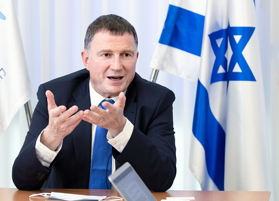 "In an interview with the JoongAng Ilbo on April 27, Israeli Health Minister Yuli Edelstein compared Israel's situation to a ""villa in a jungle."" In other words, villa cannot be safe as long as dangers from the jungle exist. [IM HYUN-DONG]"