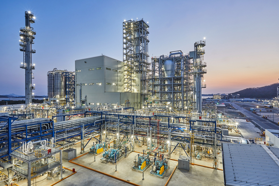 Hanwha Total Petrochemical's polypropylene production plant in Daesan, South Chungcheong. [HANWHA TOTAL PETROCHEMICAL]