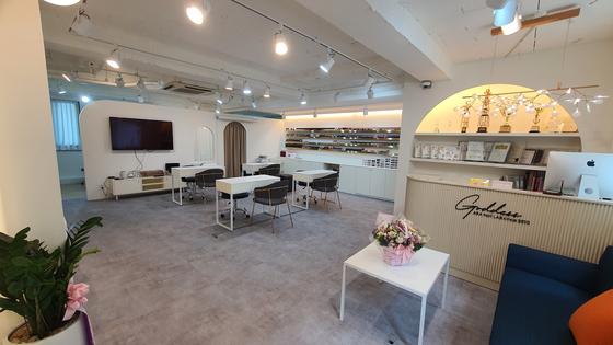 Nail artist Cho A-ra's Goddess Ara Nail Lab in Myeongdong, central Seoul. [CHO A-RA]