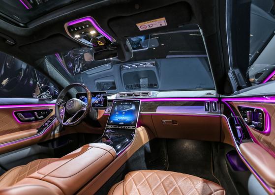 The interior of the Mercedes-Benz seventh generation S-Class [MERCEDES-BENZ KOREA]
