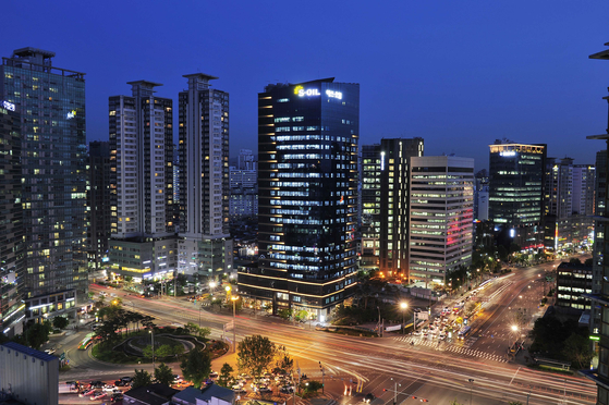 S-Oil headquaters in central Seoul [S-OIL]