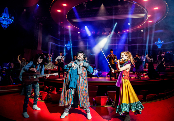 """""""Great Comet,″ which is a Korean production of the musical ″Natasha, Pierre & The Great Comet of 1812,″ based on the eighth part of Leo Tolstoy's 1869 novel ″War and Peace,″ is being staged at the Universal Arts Center. [SHOW NOTE]"""