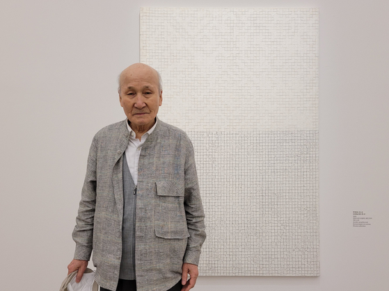 Chung Sang-Hwa in a preview of his retrospective on Friday at the National Museum of Modern and Contemporary Art (MMCA) in central Seoul. [MOON SO-YOUNG]