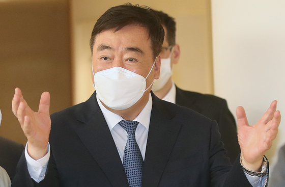 Chinese Ambassador Xing Haiming talks to the press on Monday.  [NEWS1]