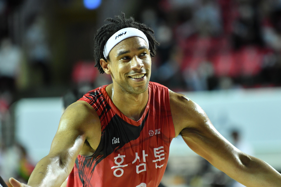 Jared Sullinger of Anyang KGC, who was named the MVP of the KBL playoffs, says red ginseng helped him manage his physical condition. [KOREA GINSENG CORPORATION]