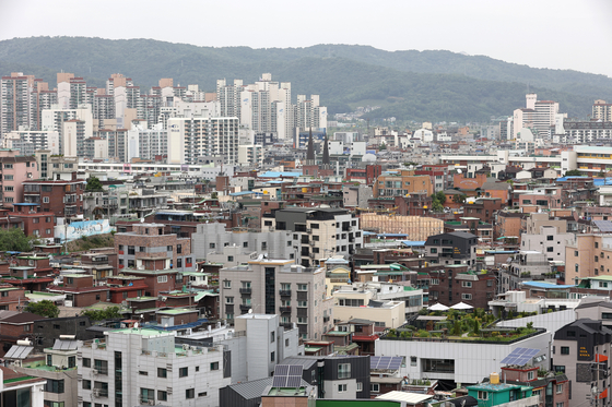 An area in eastern Seoul that is at least 20 years old but until Wednesday had not met city government's other list of requirements to be designated for redevelopment. [NEWS1]