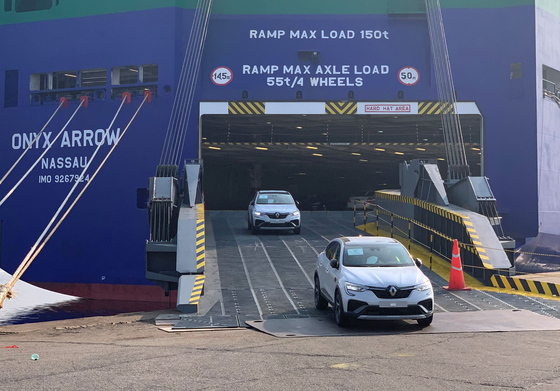 Two units of Renault Samsung Motors' XM3 compact SUV, also known as the New Arkana, are being unloaded at the Le Havre port in France in early May. The Korean unit of the French automaker said Wednesday that the New Arkana manufactured in Korea's Busan factory will start sales in Europe starting June. [RENAULT SAMSUNG MOTORS]