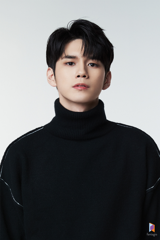 Singer-turned-actor Ong Seong-wu [FANTAGIO]