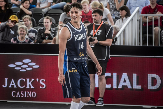Lee Seung-jun plays in a game against Turkey at the 2019 FIBA 3x3 World Cup in June 19, 2019 in Amsterdam, Netherlands. [FIBA]
