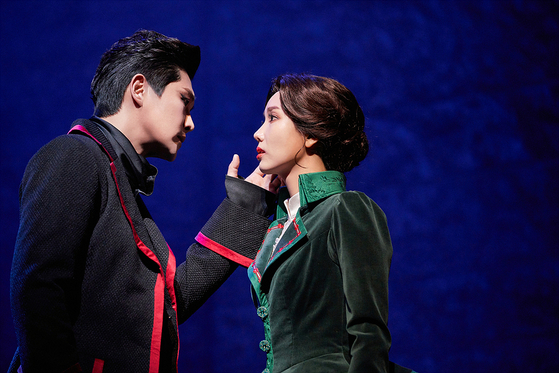 ″Dracula: The Musical″ based on the novel ″Dracula″ is being staged at the Blue Square in central Seoul. [COMPANYDA]