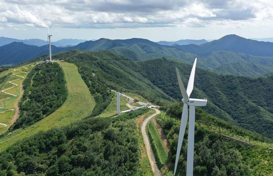 A wind farm in Yangsan, South Gyeonsgang. [YONHAP]