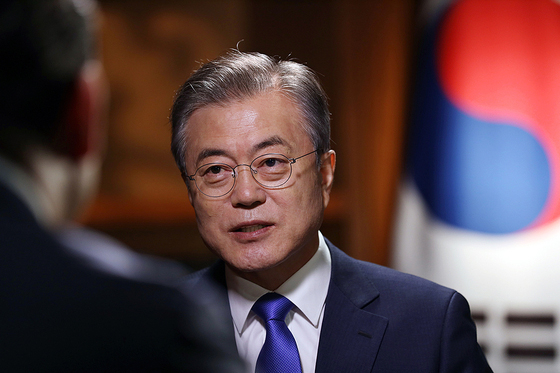 In an interview with Fox News on Sept. 25, 2018 during his trip to New York to attend the United Nations General Assembly meeting, President Moon Jae-in stresses the need to declare an end to the Korean War. [NEWS1]