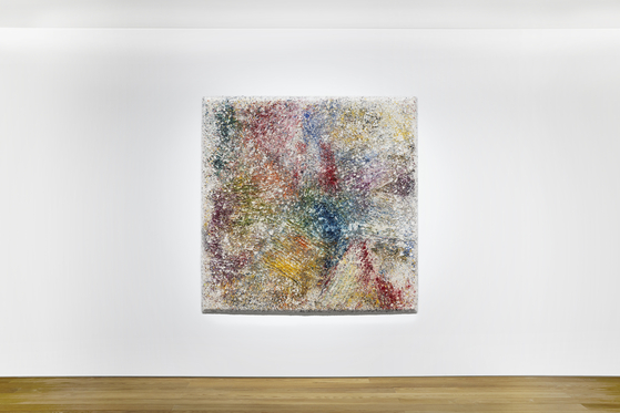 Sam Gilliam's ″Spin and Splash″(20210 is hanging in Pace Seoul as part of his solo show. [PACE SEOUL]
