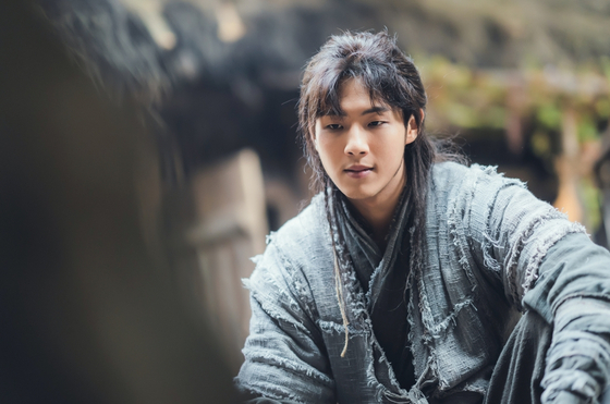 """Actor Jisoo stepped down from KBS dama """"Rive Wherer the Moon Rises"""" after he was embroiled in school violence allegations. [KBS]"""