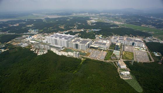 LG Display's LCD panel production plant in Paju, Gyeonggi. [LG DISPLAY]