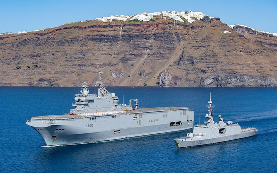 Amphibious assault helicopter carrier Tonnerre and the Frigate Surcouf. [FRENCH EMBASSY]