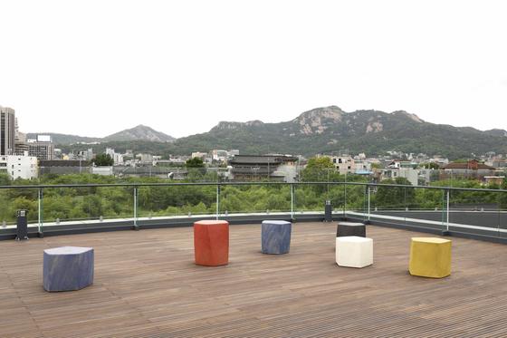 Ceramic artist Kim Yik-yung's pentagonal ceramic stools [SEOUL MUSEUM OF CRAFT ART]