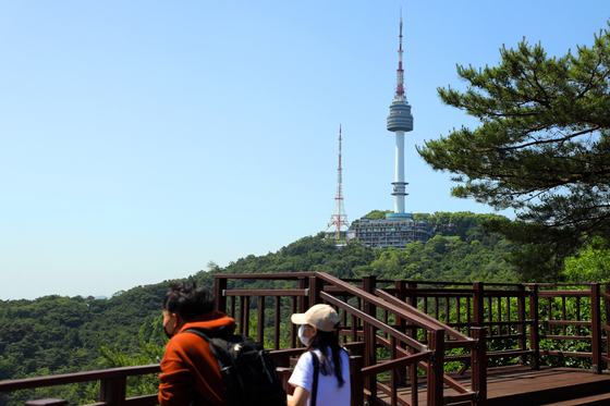 Namsan Seoul Tower seen from the Namsan Park on June 4. [NEWS1]