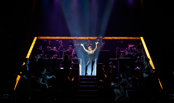 A scene from ″All That Jazz″ in the musical ″Chicago,″ featuring veteran musical actor Choi Jung-won. [SEENSEE COMPANY]