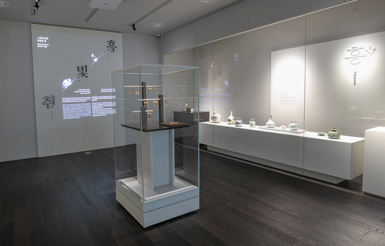 ″Containing Beauty - Deep Enjoyment, Brilliant Light,″ is the first exhibition to be held at the National Museum of Korea's newly-opened branch inside Incheon International Airport. [NATIONAL MUSEM OF KOREA]