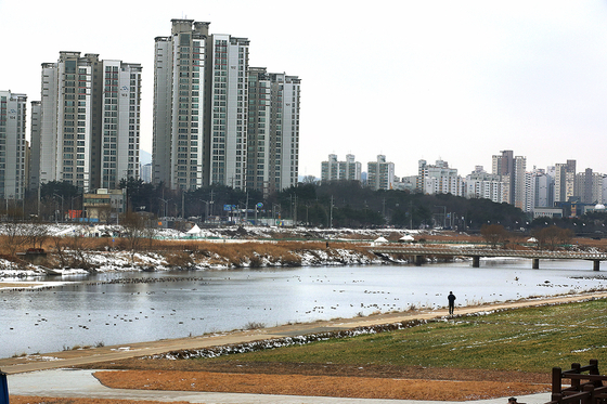 View of apartments in Asan, South Chungcheong [YONHAP]