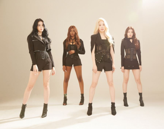 Girl group Black Swan [DR MUSIC]