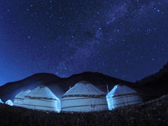 Kyrgyz boz uy under the stars. [VLADIMIR USHAKOV]